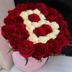 39 красных роз с буквой R570