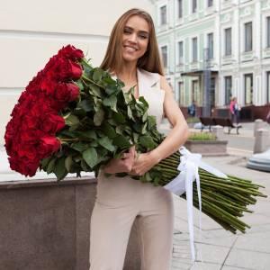 101 красная роза высотой 150 см R886