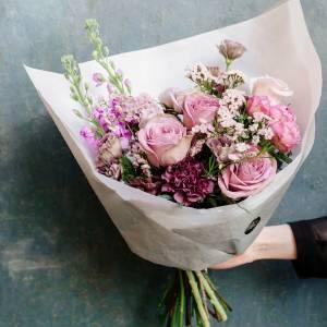 Сборный букет в розовых тонах R598